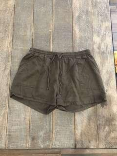COTTON ON SHORTS | size M