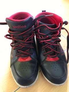 Sepatu sneakers ardiles