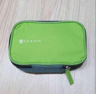 長榮航空盥洗包(含內容物)