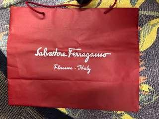 名牌紙袋 Ferragamo made in Italy paper bag