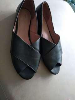 70s look black flats good condition uk8