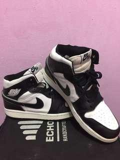 Air Jordan 1 Retro High Black&White (USED)