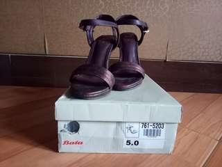 Sepatu Heels Bata Insolia Maroon