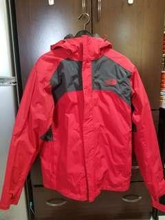 The North 紅灰色雙層功能羽絨外套 L號( 可分開穿,外層風衣擋風防水,內層羽絨保暖, 只穿兩次,九成新)