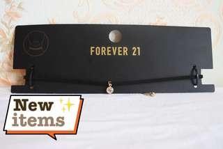 Kalung Choker Forever21