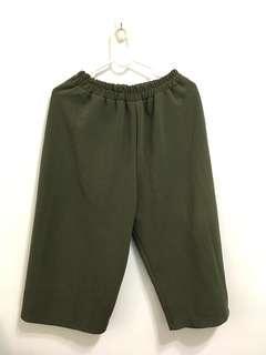 🚚 寬口褲 墨綠 顯瘦 不容易皺