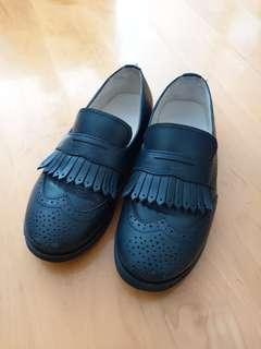 Nicolas and bear black loafer shoes 4yrs size 26