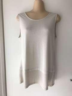Jeanswest top size S