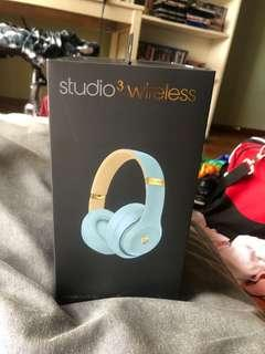 Beats Studio3 Wireless The Skyline Collection - Crystal Blue