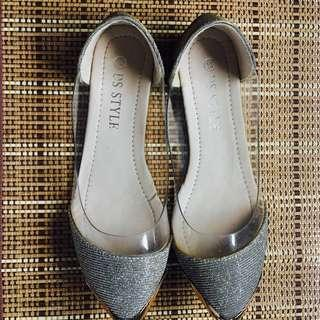 Silver with touch of gold flat shoes/ size 5 /