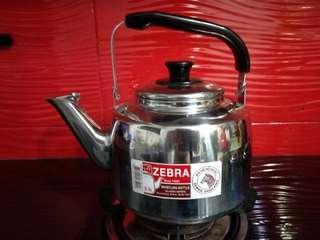 Zebra 3.5 litre whistling kettle (100% original zebra)