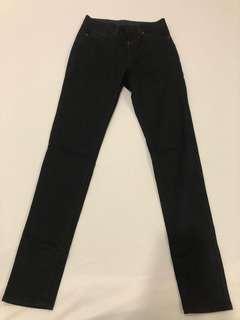 🚚 Uniqlo黑色長褲