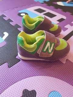 New balance shoes 9-12mths size 20