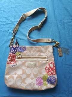 COACH slingbag Authentic