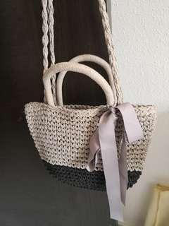 🚚 2 tone color Straw Bag