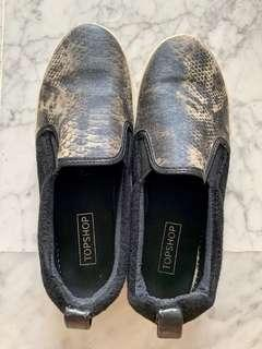 🚚 Topshop shoes snake sneakers slip on flat