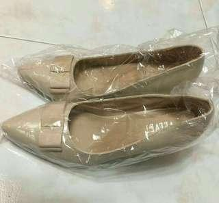 High Heels Beige Size 37 New