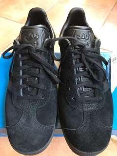 Adidas Gazelle size US 9 (MEN'S)
