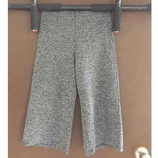 Preloved Nichii 3 quarter pants