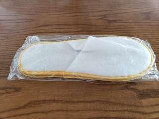 Disposable slippers (30 pairs)