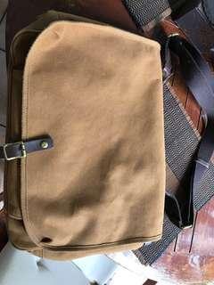 Sling Bag / messenger bag