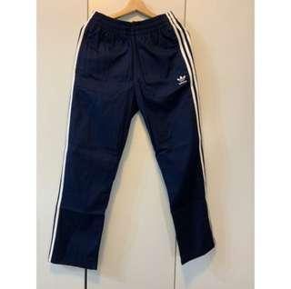 🚚 Adidas 深藍褲子 全新未使用