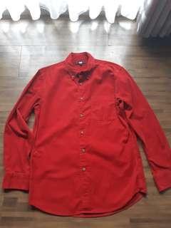 Uniqlo red shirt Coudoray