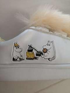 New Kids Fila white shoes