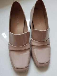Pazzion chunky heels size 34