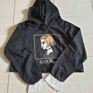 black graphic crop hoodie