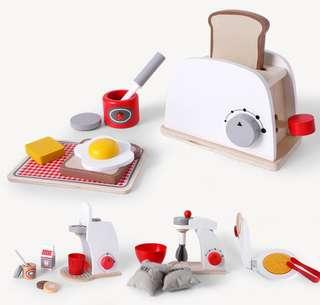 🚚 Wooden toys kitchen set