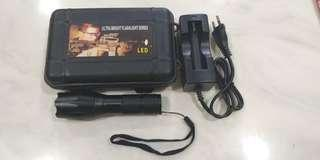 🚚 A056: ultra bright flashlight