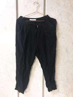 🚚 黑色老爺褲(掉釦)
