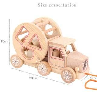 Natural colored trailer and shapes (Wooden Toy)