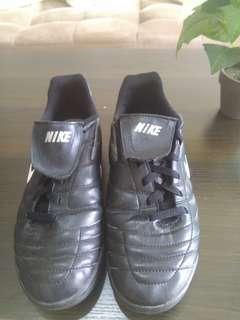 """Sepatu NIKE TIEMPO """"Preloved"""" #Longweekend"""