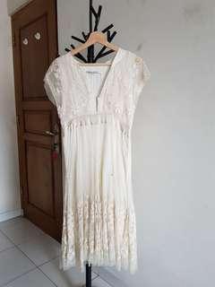 Zara Broken White Embroidered Midi Dress