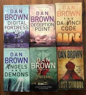🚚 Pre-loved Dan Brown collection