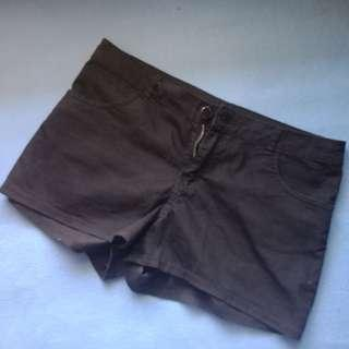 Hot pants hitam H&M