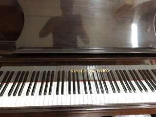 直立式鋼琴