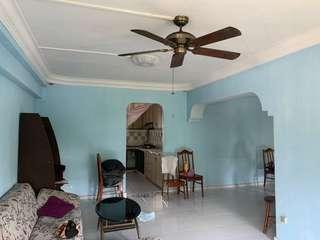 5rm Corner Flat at Blk 840 with 4 bedrooms
