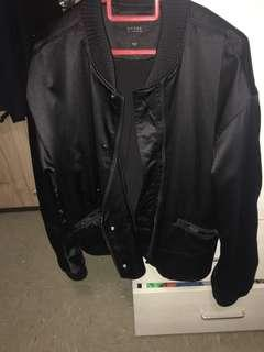 🚚 Authentic Guess jacket