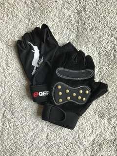Gymming gloves 健身手套