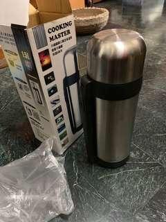 1.5L 保溫瓶