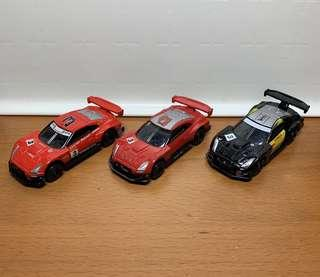 Tomica Nissan GT-R racing cars