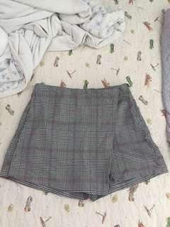 Plaid/checkered skirt/ skort