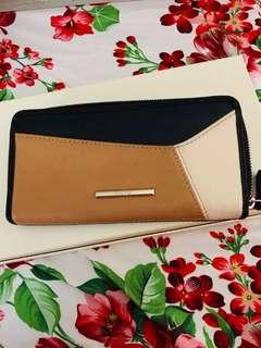 Ninewest zipper wallet