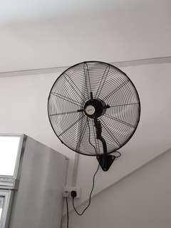 🚚 Commercial fan good condition