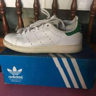 REPRICED! Adidas Stan Smith