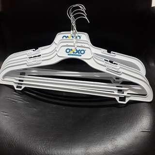 8 hanger / gantungan baju