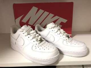 🚚 NIKE WMNS AIR FORCE 1 07